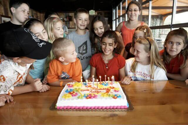 Birthday parties at Glenwood Caverns